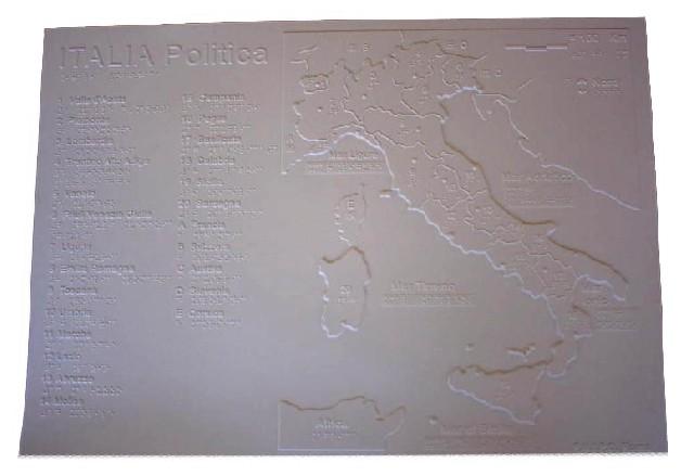 Cartina dell'Italia politica o fisica in rilievo